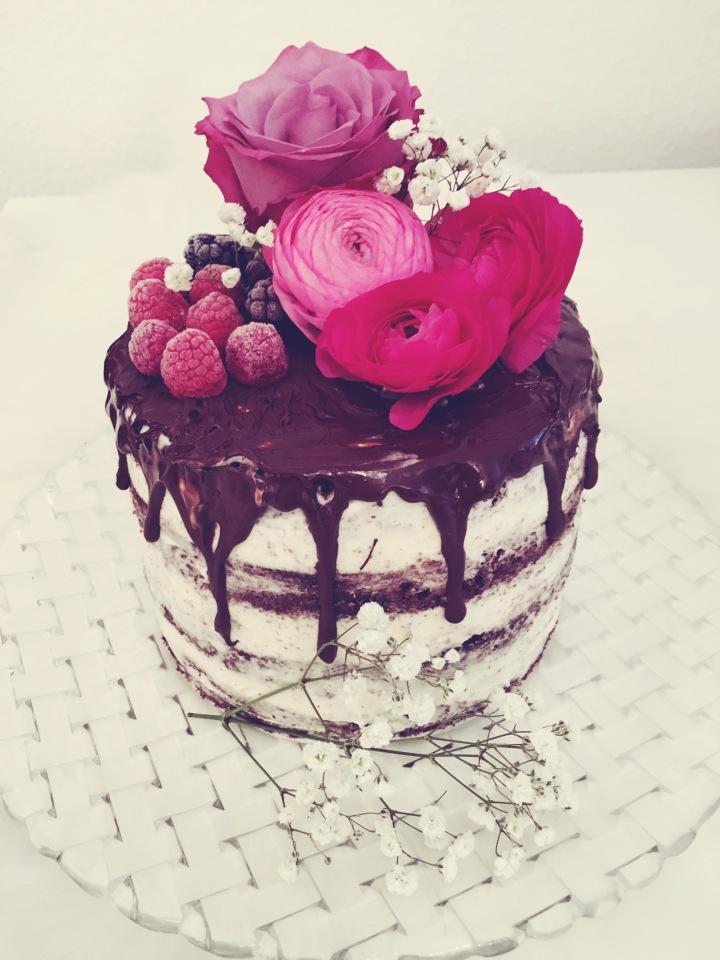 Naked Cake – Schokoladen-Beeren-Torte